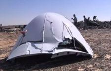 Aereo caduto sul Sinai. La Russia cancella tutti i voli da e per l'Egitto. Turisti bloccati
