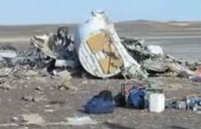Aereo caduto sul Sinai. Putin blocca i voli russi con l'Egitto. Anche turisti italiani ancora bloccati