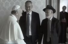 Papa Francesco oggi in visita alla Sinagoga di Roma