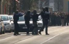 Bruxelles sotto attacco. Dopo aeroporto, bombe anche nella metro. Molti morti