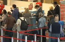 Schedati tutti i passeggeri sui voli da e per l'Europa