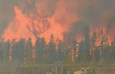 Canada: sfollata intera città di 60mila abitanti per incendio