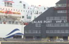 Francia: polemiche per il muro anti immigrati di Calais