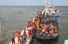 Indonesia: decine di morti su traghetto in fiamme