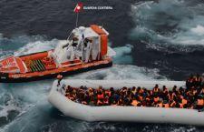 Migranti: recuperati in mare in 1600 in poche ore