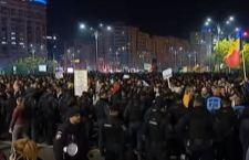 Romania: la piazza fa cancellare depenalizzazione dei reati di corruzione