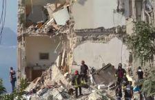 Napoli: continuano le ricerche di 8 persone sotto le macerie di un palazzo crollato