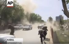 Afghanistan: bombe sui giornalisti. 25 morti a Kabul