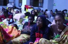 Migranti in Libia: 100 i morti per bombardamento vicino Tripoli