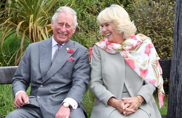 Principe Carlo umiliava Lady Diana a letto: la 'punizione' mette i brividi