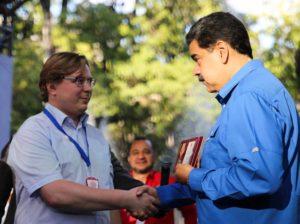 Maduro recibió Orden Lenin del Partido Comunista de Rusia