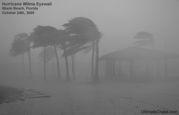 Wilma Eyewall Miami Beach Image
