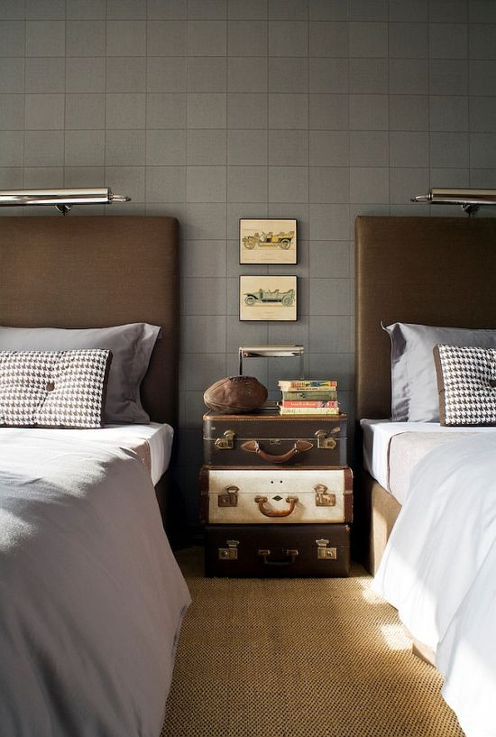 Vintage suitcase stack as nightstand - NO.1# THE MOST BEAUTIFUL DIY BEDROOM NIGHTSTAND IDEAS