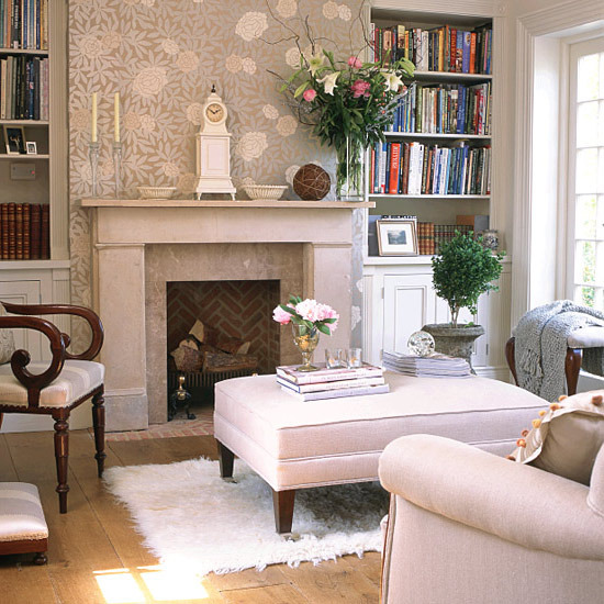 18 Floral Wallpapers For Living Room