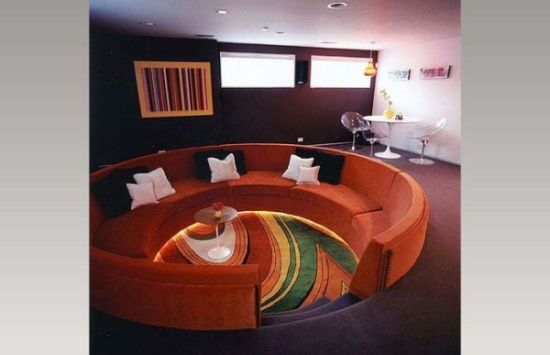 Gorgeous cuved sunken living room design with curvy sofa - NO.1# BEAUTIFUL SUNKEN LIVING ROOM DESIGN IDEAS