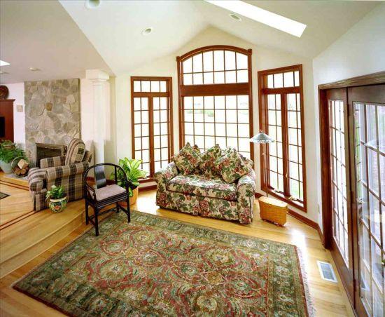 Green accented sunken living room with wooden rimmed windows - NO.1# BEAUTIFUL SUNKEN LIVING ROOM DESIGN IDEAS