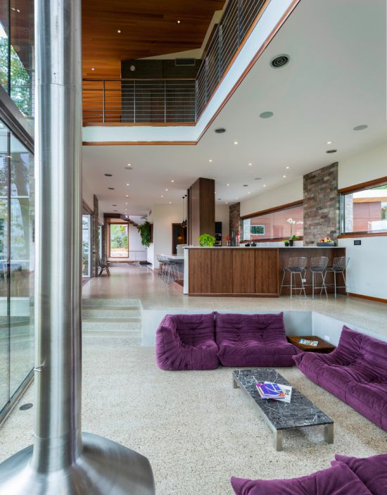 Trendy sunken living room design with purple sit down sofas - NO.1# BEAUTIFUL SUNKEN LIVING ROOM DESIGN IDEAS