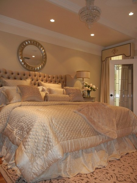 gold and white master bedroom 35 Gorgeous Bedroom Designs With Gold Accents