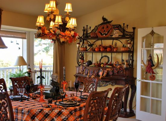33 Spooky  Scary Halloween Decorations For 2016