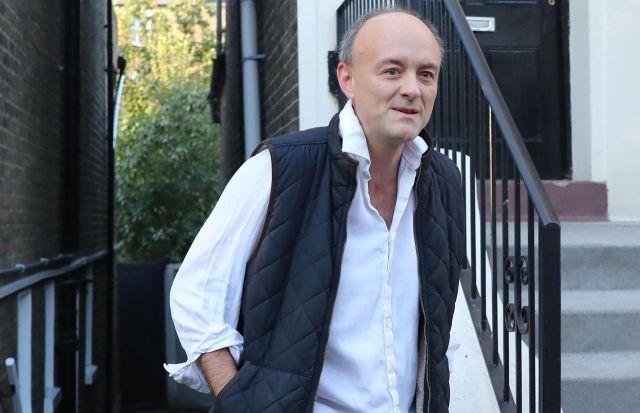 Dominic Cummings, ici le 5 septembre, est connu pour toujours avoir une chemise froissée./AFP/Isabel Infantes