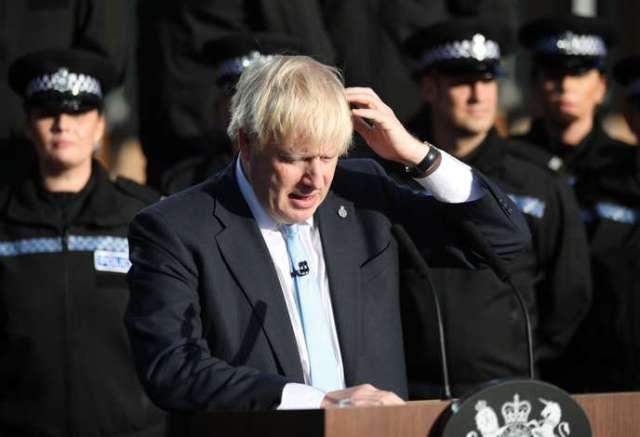 Boris Johnson, lors de sa conférence presse dans une caserne de police du Yorkshire, le 5 septembre.