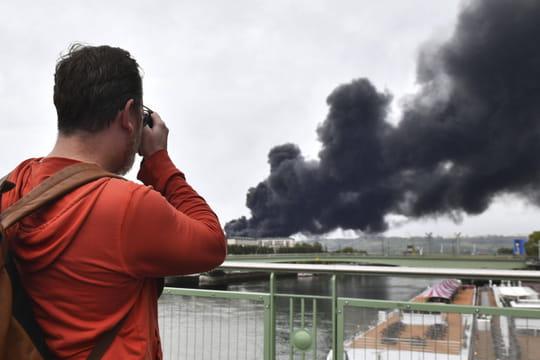 DIRECT - Incendie de Rouen: de nouvelles analyses à venir, ce que l'on sait