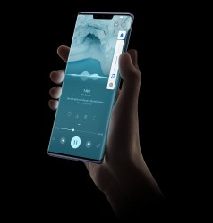 The curved sides of the Horizon Display enable virtual media and game controls