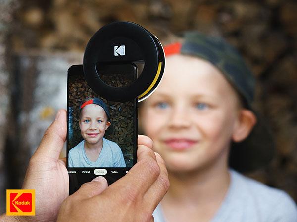 kodak smartphone photography kit iphone accessoires 06 - Kit Photo Kodak de 5 Accessoires pour iPhone et Smartphones