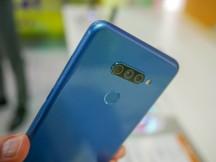 LG K50S in the hand - LG K50S K40S hands-on
