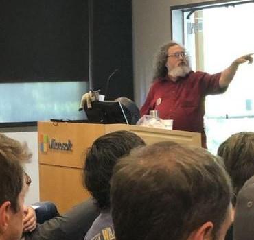 Richard Stallman chez Microsoft (non, on ne rêve pas)