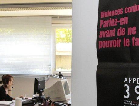 SOCIÉTÉ. Violences conjugales : Macron, dépité, assiste en direct aux déboires du 3919 – Le Dauphiné Libéré