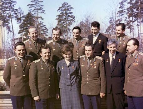 Alexeï Leonov, le premier marcheur de l'espace s'en est allé – Libération