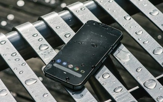 CAT's S52 is pretty yet still rugged, arrives in Europe in November
