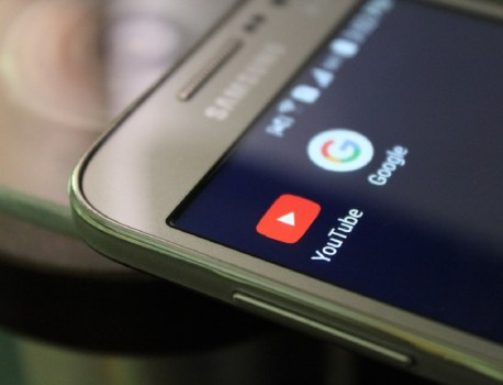 «Copyright troll» : accusé de chantage sur YouTube, il doit payer 25 000 dollars