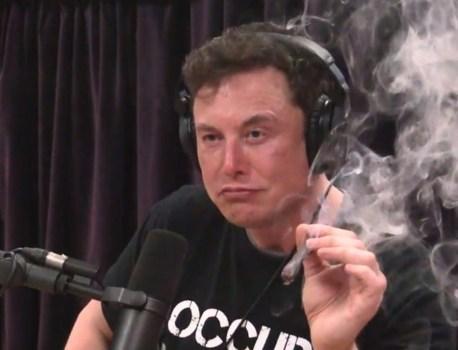 La NASA a payé 5 millions de dollars pour vérifier que les employés de SpaceX ne fumaient pas d'herbe