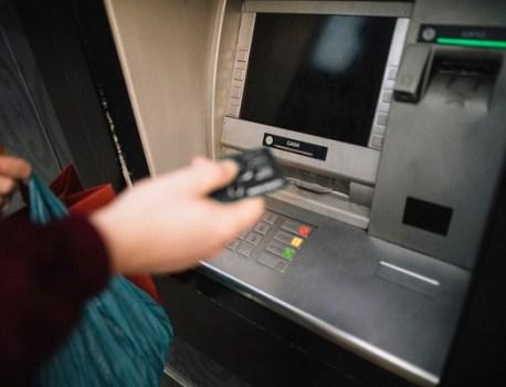 """Les attaques """"jackpot"""" aux distributeurs automatiques rapportent moins de 1 000 € au 1er semestre 2019"""