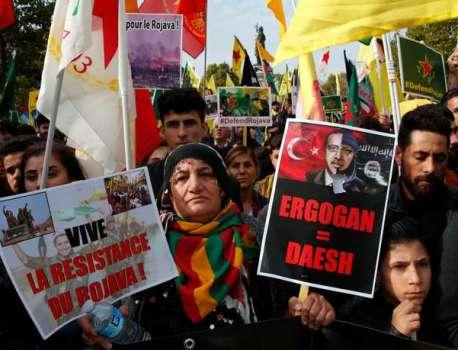 Offensive turque en Syrie : de violents combats sur le terrain, des milliers de manifestants en France – Le Monde