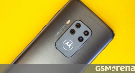 Our Motorola One Zoom video review is up