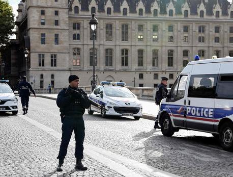 Radicalisation: sept policiers désarmés depuis l'attaque de la préfecture de police – Le Figaro