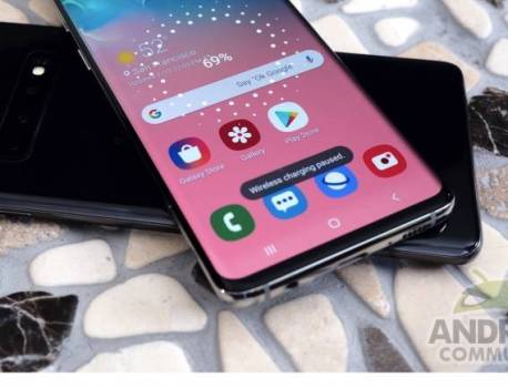 Samsung Galaxy S10 blacklisted by some banking apps in the UK