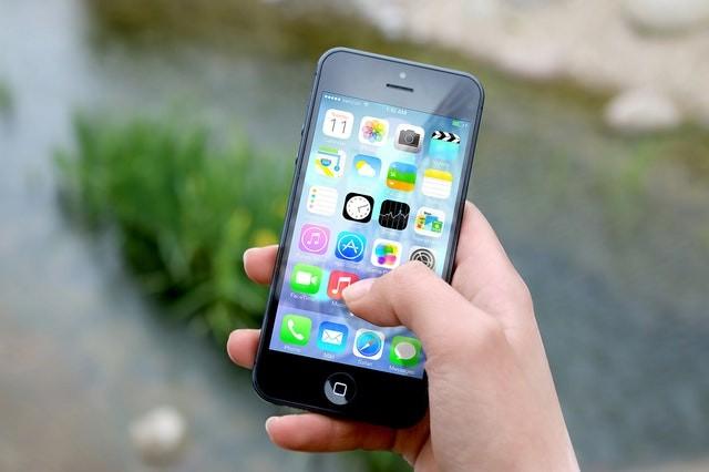 Les iPhone 5 et iPad vieux de plus de 7 ans doivent impérativement être mis à jour.