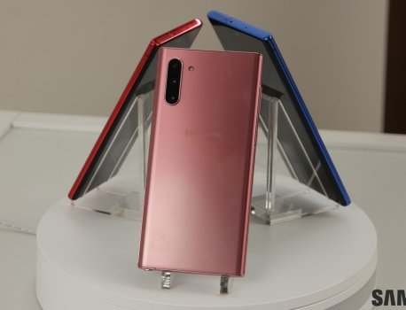 Aura Pink and Aura Red Galaxy Note 10 land in the US before the holidays
