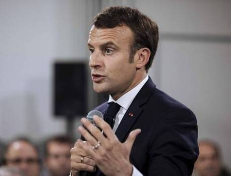 Emmanuel Macron reconnaît traîner la baisse des APL « comme un boulet » – 20 Minutes