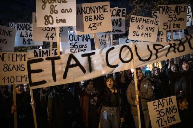 A l'appel du collectif féministe #Noustoutes et de nombreuses associations, plusieurs dizaines de milliers de personnes ont manifesté à Paris contre les violences sexistes et sexuelles faites aux femmes à Paris, le 23 novembre.