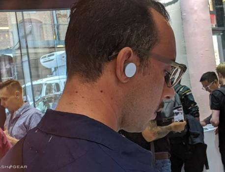 Microsoft Surface Earbuds market release delayed to next year
