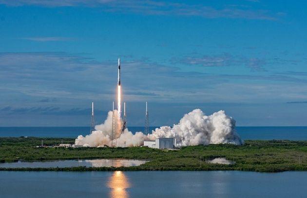 SpaceX place 60 nouveaux satellites Starlink en orbite