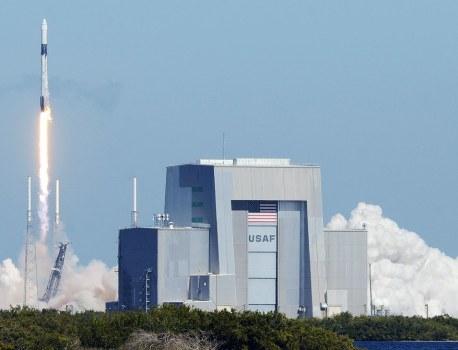 A SpaceX Beer Supply Run, Sketchy Baby Yoda Merch, and More News