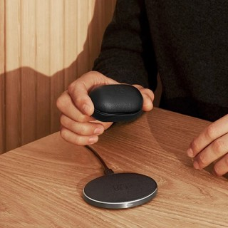 Beoplay E8 3rd gen and wireless charging pad