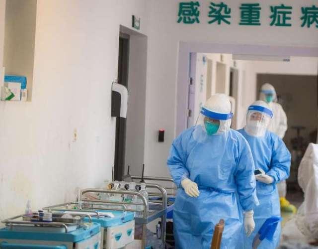 Dans le service des maladies infectieuses de l'hôpital Wuhan Union à Wuhan, dans la province du Hubei, en Chine centrale, le 28 janvier.