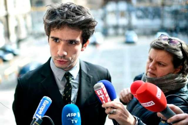 L'avocat Juan Branco s'exprime devant la presse après sa rencontre avec le bâtonnier de Paris, lundi 17 février.